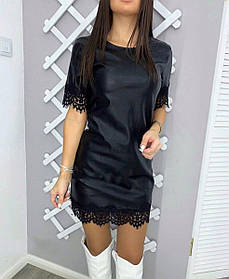Платье черное из экокожи с кружевом
