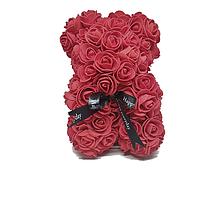 Красивый мишка из латексных 3D роз 25 см с лентой в подарочной коробке | Темно красный, фото 1