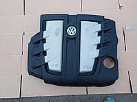 Декоративная крышка двигателя Volkswagen Touareg 2002- 3.0tdi 059103925AP, 059103925AN