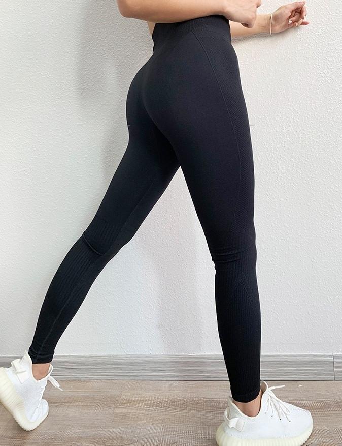 Женские спортивные леггинсы черные 4311