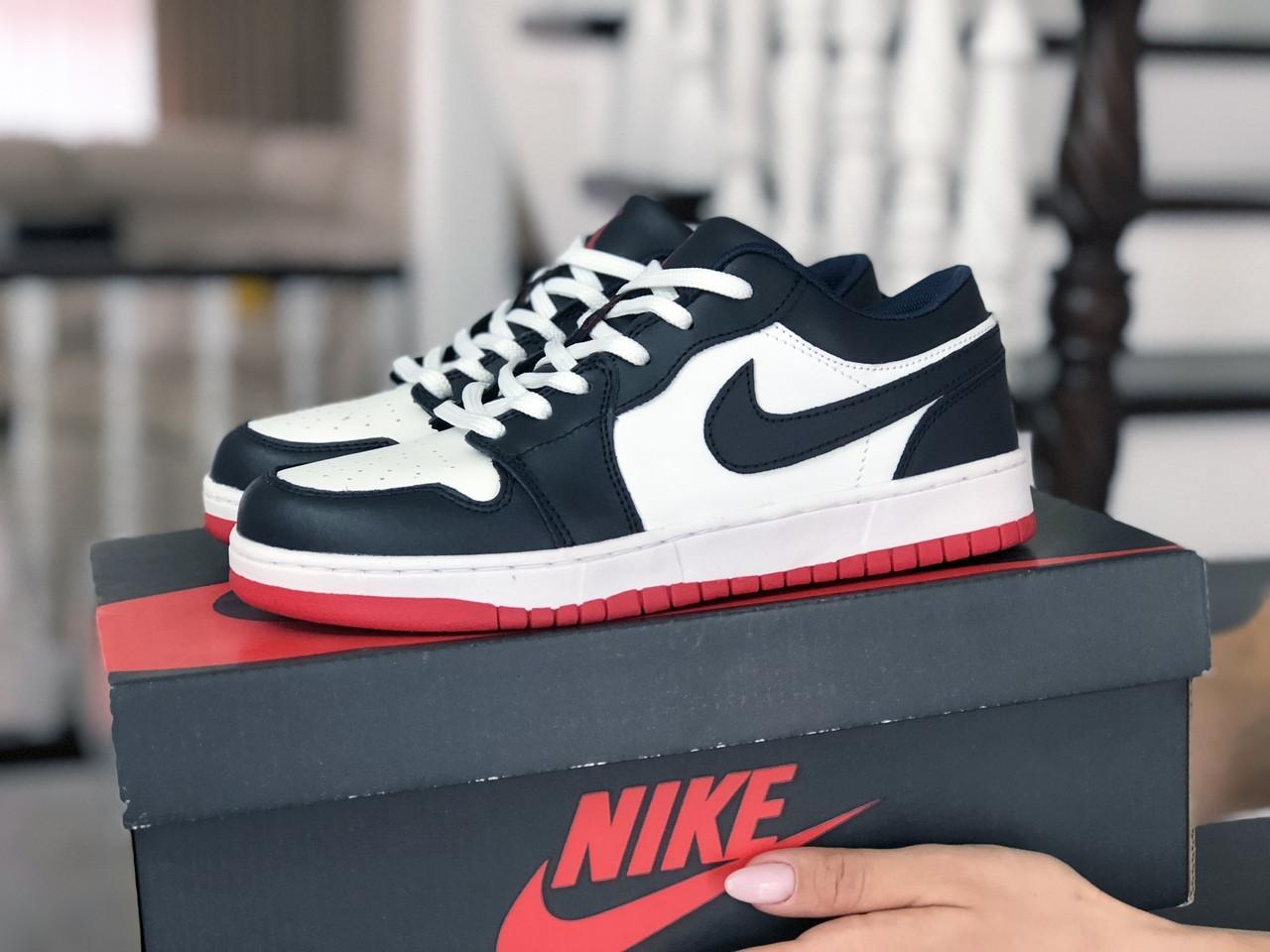 Кроссовки женские Nike Air Jordan 1 Low темно синие с белым/красные