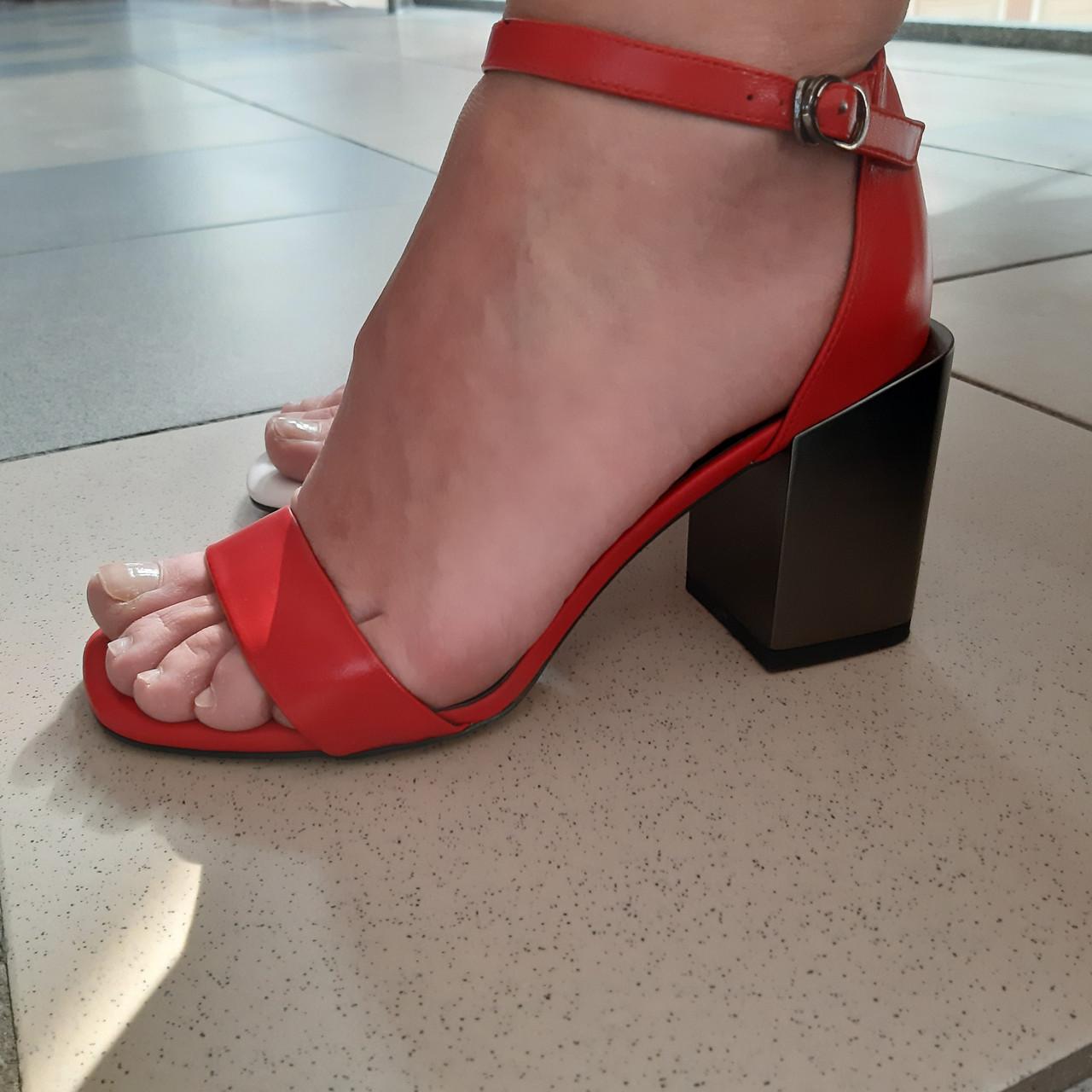 Босоніжки Inshoes червоні