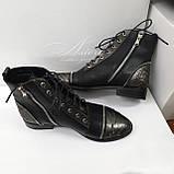 Кожаные ботинки на шнуровке с питоном и замками на носке, фото 3