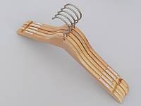 Плечики длиной 44 см. Алюминиевый крючок. Светлые деревянные,  длина 44 см, в упаковке 5 штук