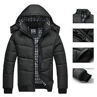 Черная мужская куртка. Теплая куртка с капюшоном.