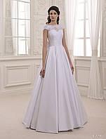 Бесподобное свадебное платье с нежным ажурным верхом и моделирующим ленточным корсетом