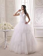 Очаровательное свадебное платье с утонченным верхом и симпатичным вырезом на спинке