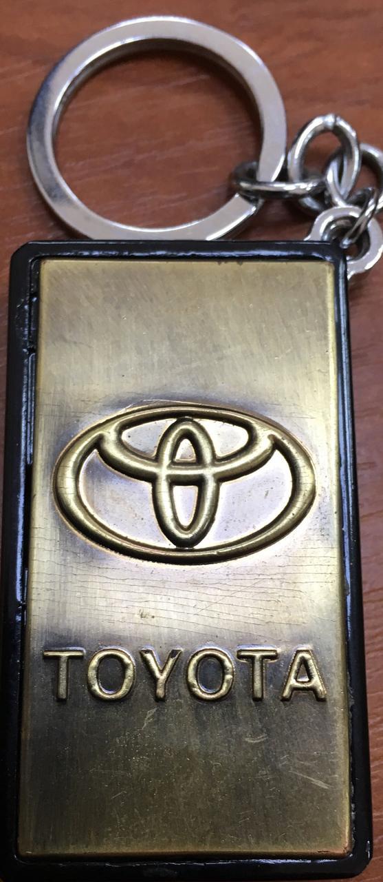 """Запальничка оригінальна у вигляді """"Toyota"""" газова подарунок сувенір"""