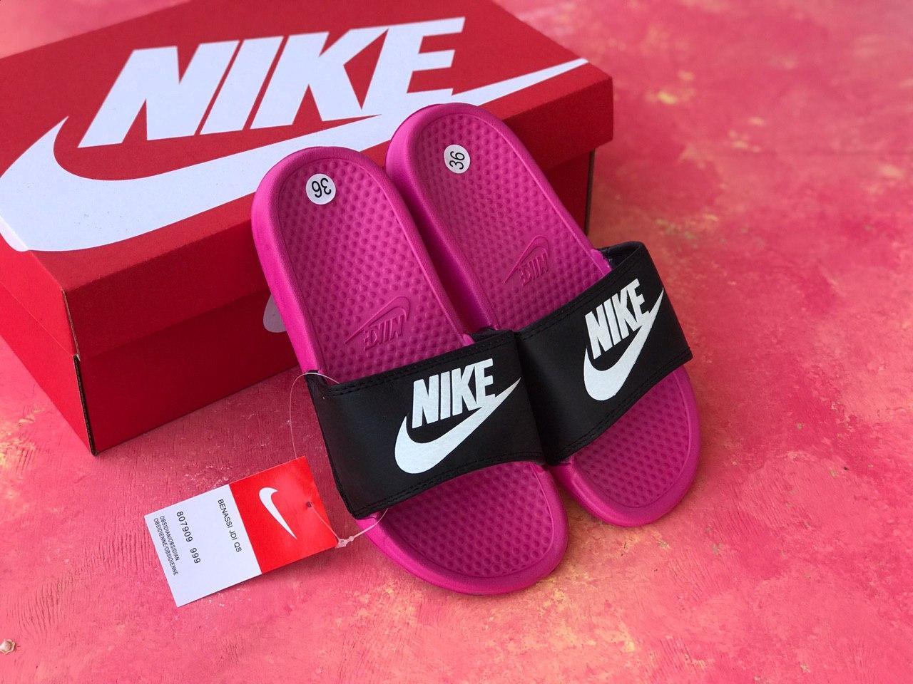 Сланцы/шлепки Nike женские(черно-розовые)