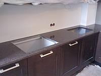 Робоча поверхня для кухні з натурального каменю (граніт та мармур)