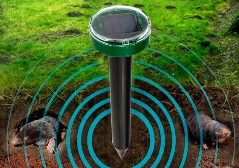 Столбик газонный для отпугивания кротов, мышей и грызунов на солнечной батарее с выключателем LM3404 Lemanso