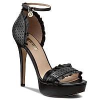 Босоножки женские кожаные чёрные на каблукеGuess