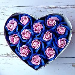 Подарунковий набір з мильних троянд в коробці серце. Букет із мила. Подарунок подрузі, дружині, жінці, донечці