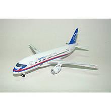 Модель самолёта Сухой SSJ