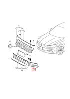 "Решётка (заглушка) п/туманки левая -"" VW Passat B8 USA 2015-2019     561854661LRYP"
