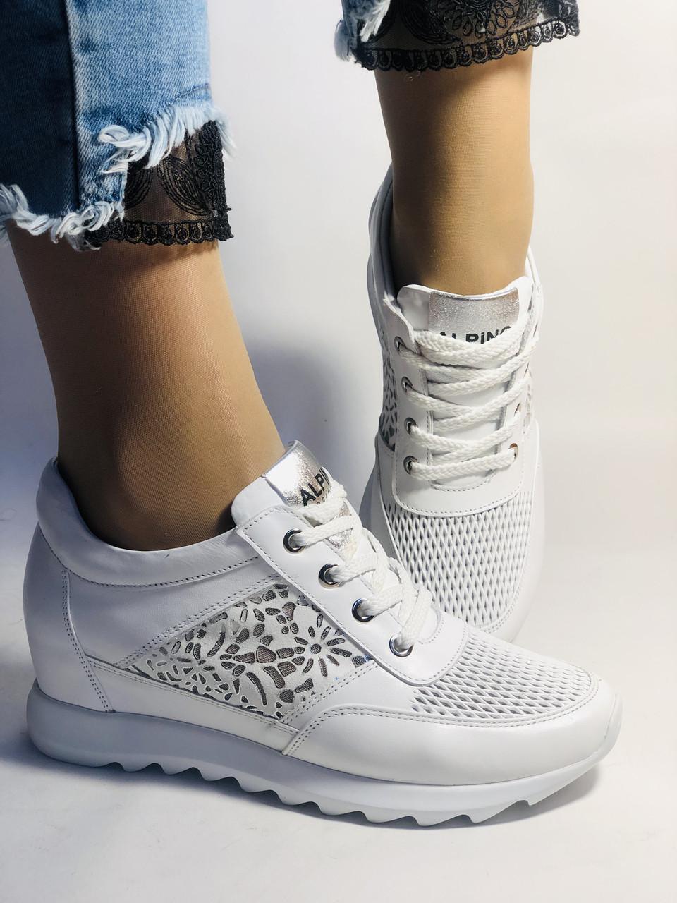 Alpino. Женские кроссовки белые.Натуральная кожа. Размер  38.40 Турция. Vellena