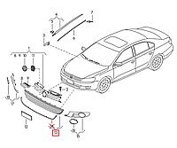 Решётка бампера нижняя (центр) без хром молдинга VW Jetta 2011-2015 USA