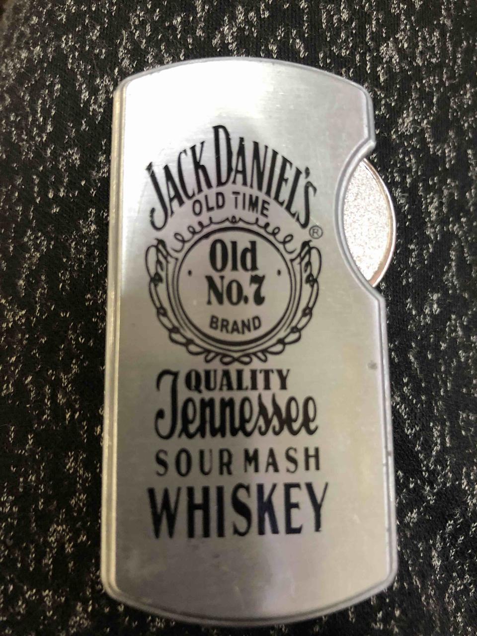 """Запальничка оригінальна у вигляді """"Jack Daniels"""" газова подарунок сувенір"""