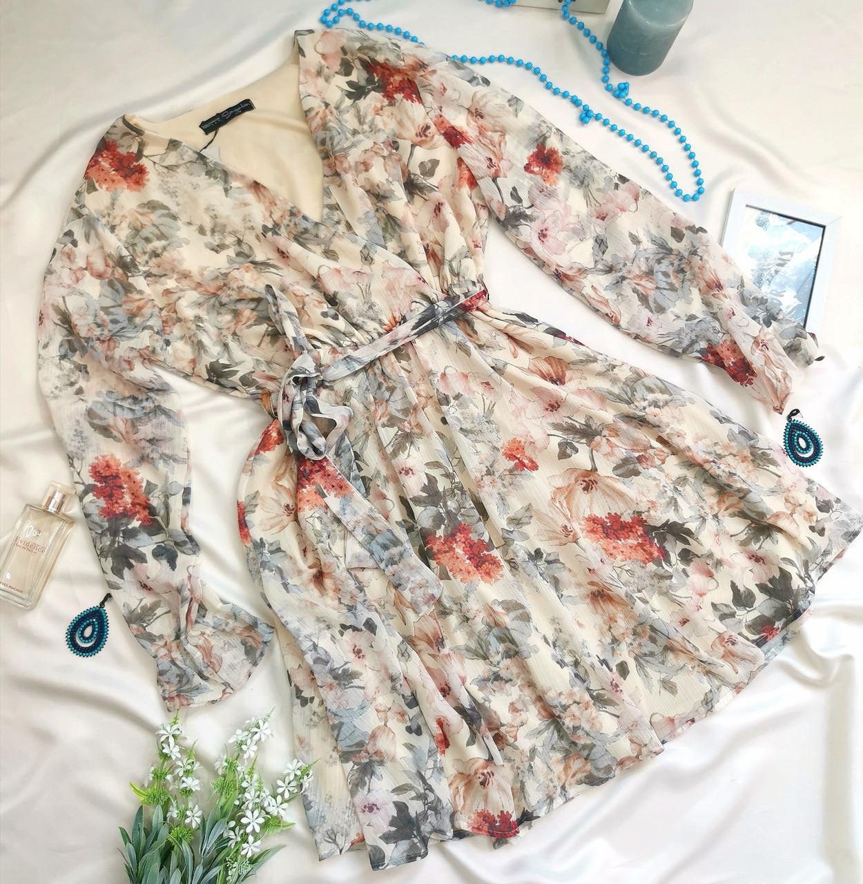 Женское платье бежевое с цветочным принтом
