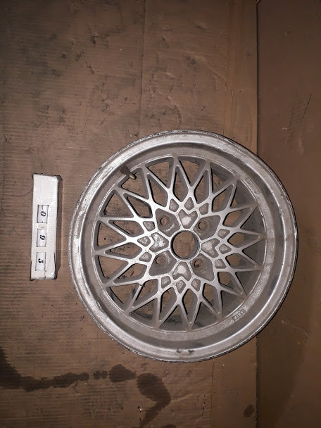 №95 Б/у диск R15  4x108   ET38   DIA 57.1 для Audi 80 B4 1991-1995