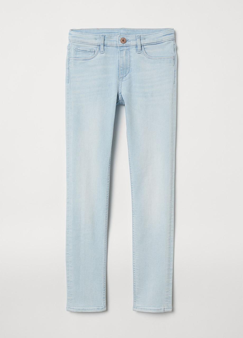Голубые демисезонные зауженные джинсы H&M
