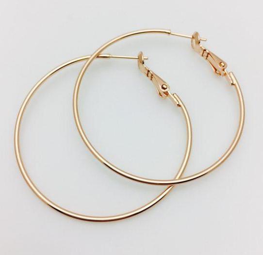 Серьги кольца диаметр 4 см.