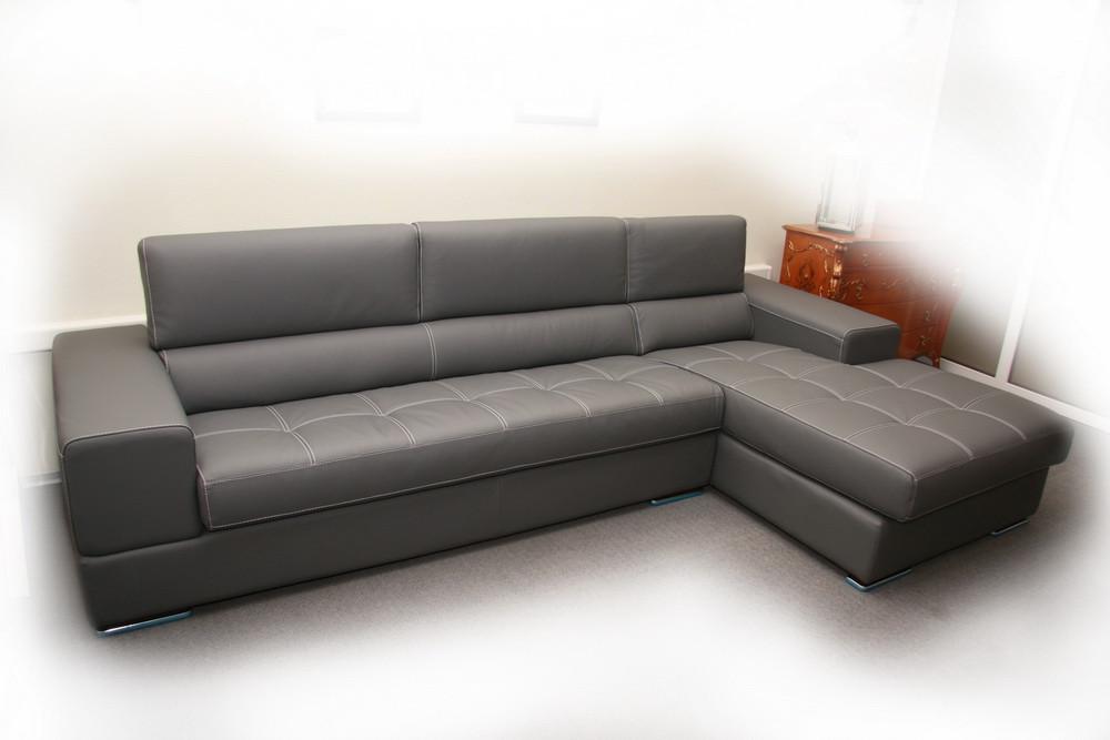 Угловой итальянский кожаный диван с кушеткой
