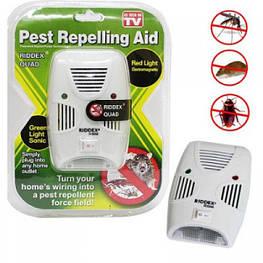 Отпугиватель электромагнитный мышей тараканов мух комаров Riddex Quad Pest Repelling Aid