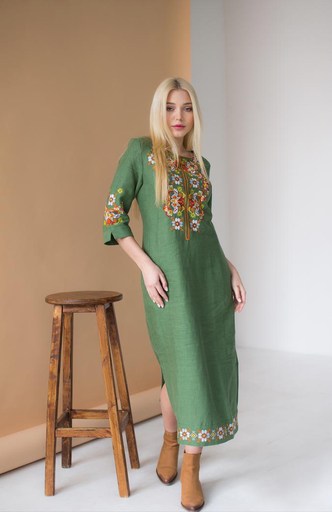 Женское платье с вышивкой Ровена зеленая