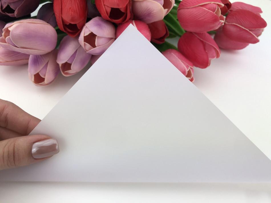 Калька для упаковки цветов Белая непрозрачная 60*60 см, 20 листов