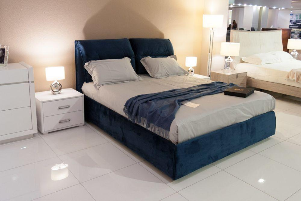 Кровать с мягким изголовьем Фиеста 1,6х2м синий велюр от Frisco