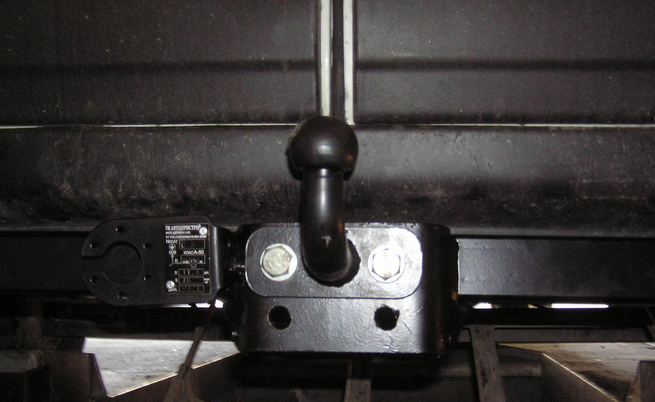 Фаркоп FORD TRANSIT (1 б.) Бампер с подножкой 2014 + Тип F (съемный крюк)