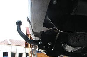 Фаркоп VOLKSWAGEN CADDY фургон 2007--. Тип С (съемный на 2 болтах)