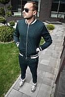 Мужской весенний спортивный костюм