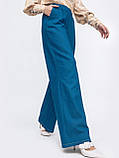 Стильные брюки-клеш в синем цвете, фото 3