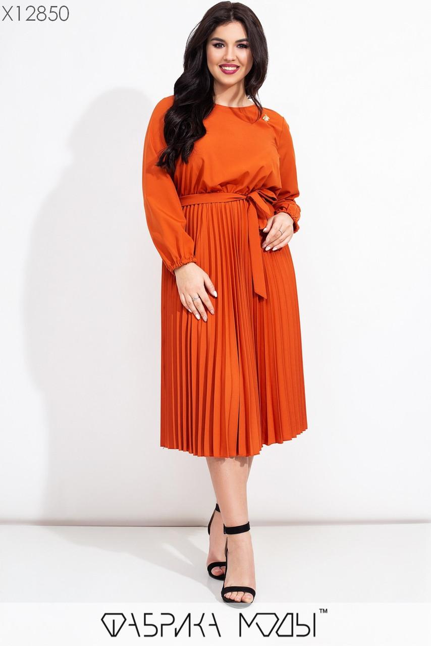 Платье в больших размерах с плиссированной юбкой миди 1uk638