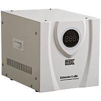 Стабилизатор напряжения релейный IEK Extensive 5 кВА (4 кВт, переносной)