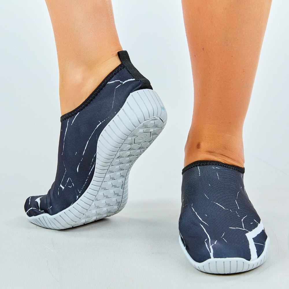 Обувь для пляжа и кораллов ZS002 размер 36-45 черный-белый