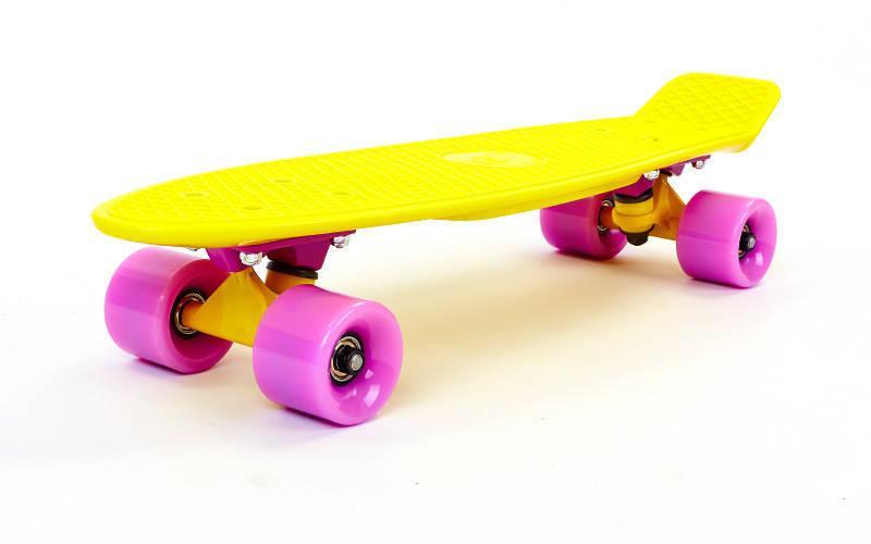 Скейтборд пластиковый Penny COLOR POINT FISH 22in с цветными болтами SK-403-4 (жел-фиол-фио)