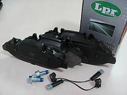 Тормозные колодки передние Mercedes Vito W639 BOSCH LPR