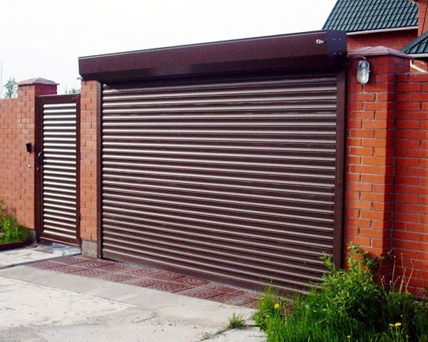 Ворота гаражні ролетні 3000*2500,ламель 77мм з пружинно-інерційним механізмом і ригельним замком