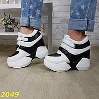 Сникерсы кроссовки на высокой платформе с танкеткой на липучках белые с черным, фото 1
