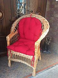 Кресло из лозы с накидкой