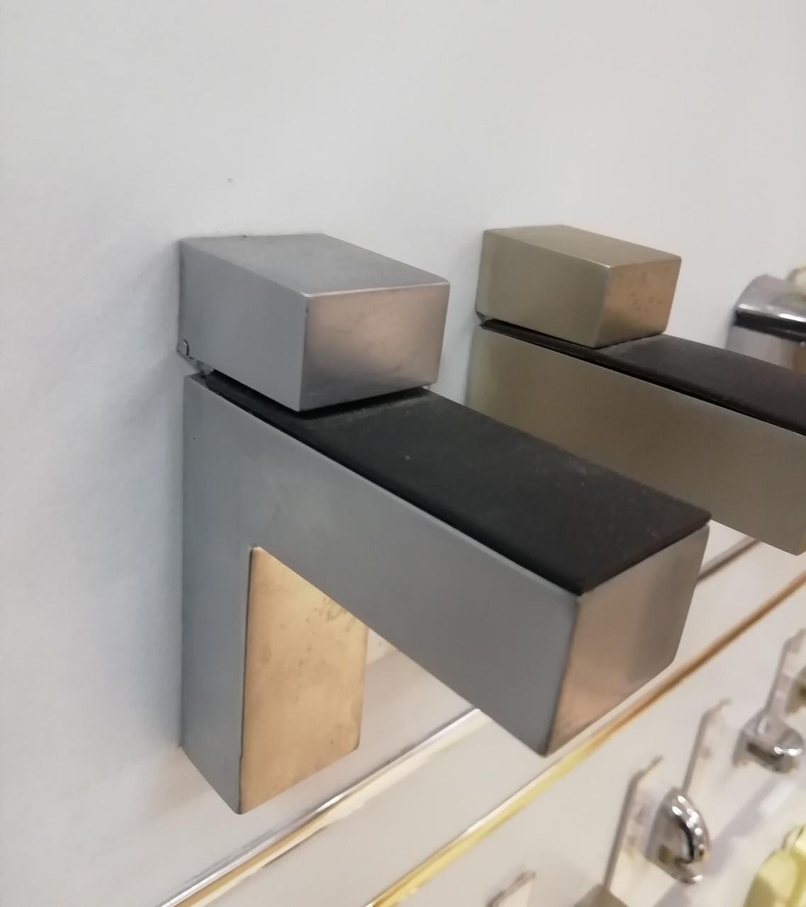 Полкодержатели для стеклянных полок GIFF Quadro хром