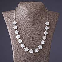 Ожерелье Незабудки резной перламутр белая бусинка, длина 54см