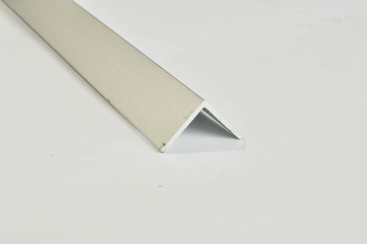 Алюминиевый уголок анодированный TIS 30х30 мм 3 м