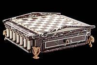 Коллекционный набор шахмат.