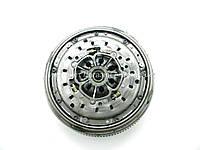Двухмассовый маховик + комплект сцепления на Рено Трафик 03-> 2.5dCi (135 л. с. ) — RENAULT- 7701476546