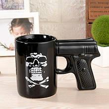 Черная кружка «Пистолет» 350 мл