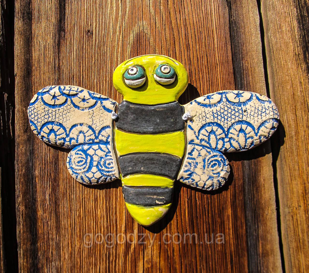 Плакетка керамічна Бджілка